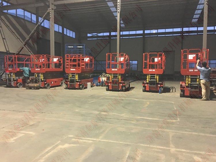 <b>辽宁租赁公司订购6台自行升降机</b>